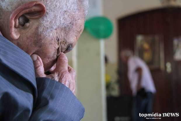 Idoso leva golpe e perde R$ 800 em Casa de Prostituição de Campo Grande