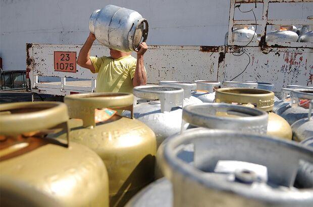 Gás de cozinha encarece mais 7% após ajuste das distribuidoras