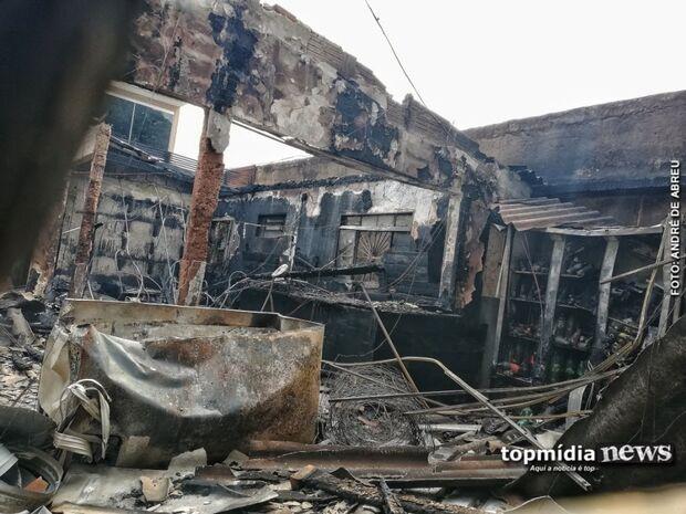 Rapaz coloca fogo em casa alugada e foge em Dourados