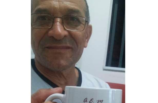 Professor Maurício morre de covid-19 aos 64 anos