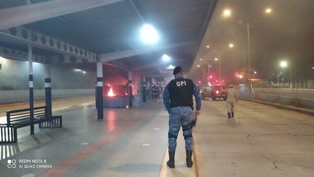 Menor surta e depreda e incendeia terminal Guaicurus; foi contido pela GCM
