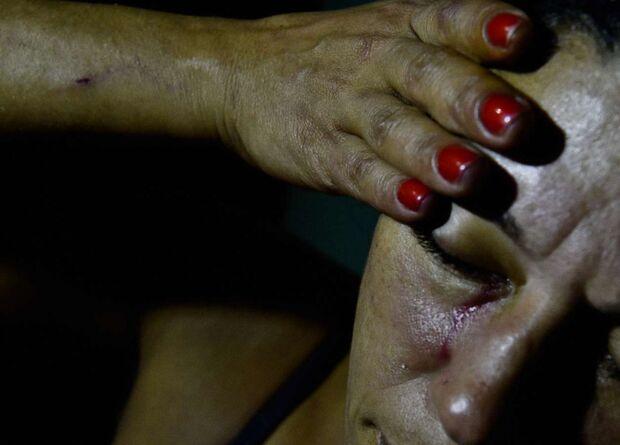 Mulher apanha do marido bêbado, foge e aciona PM em Três Lagoas