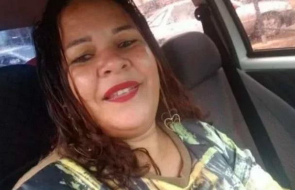 Mulher morre após ser esfaqueada e mordida pelo marido