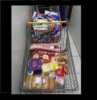 Mulheres são presas com carrinho recheado de compras sem pagar em hipermercado