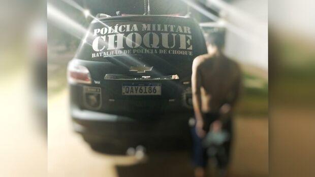Ladrão tenta roubar carro em posto de saúde e apanha de moradores no Aero Rancho
