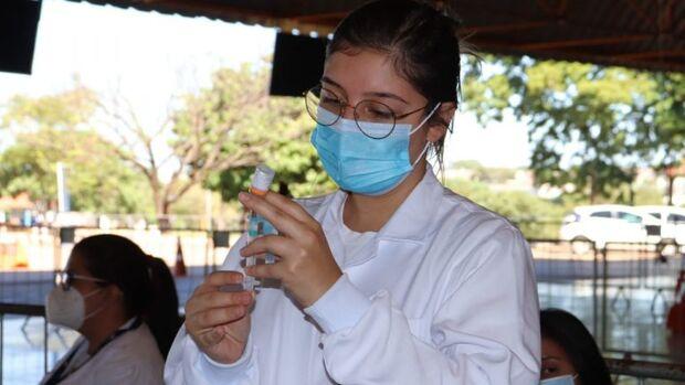 Campo Grande espera novas doses e mantém vacinação de militares nesta quinta