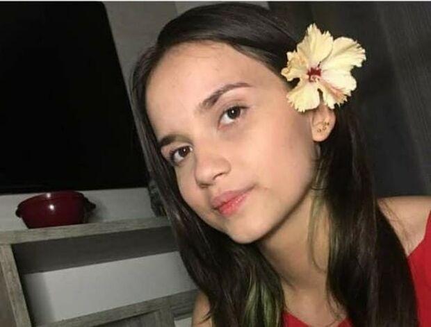 Menina foge com joia para fronteira e família está desesperada
