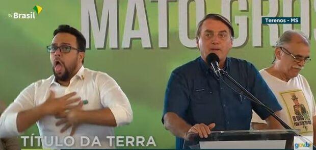 Em Terenos, Bolsonaro chama Mandetta de 'perneta' e defende cloroquina