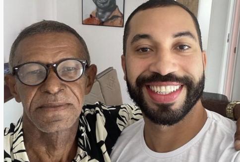 Gil do Vigor reencontra pai após 15 anos afastado