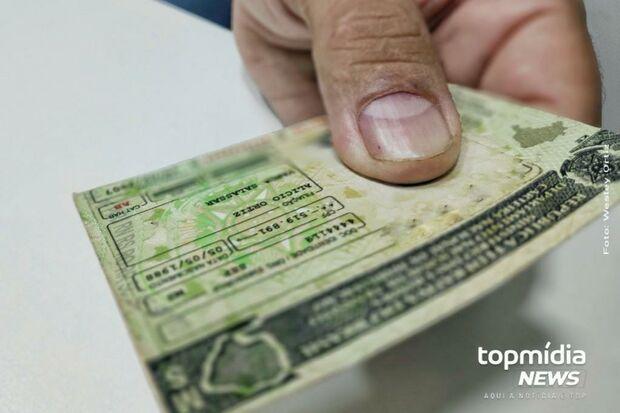 Vendedor é preso com documentos falsos para revenda no Nova Lima