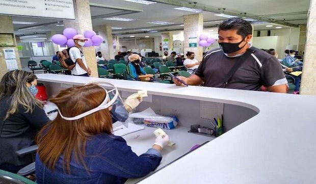 Capital e mais 26 municípios de MS oferecem mais de mil vagas de emprego