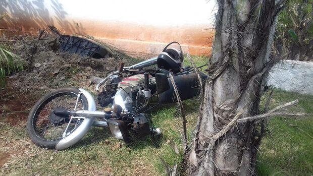 Duas pessoas morrem em acidente entre caminhonete e moto na MS-164
