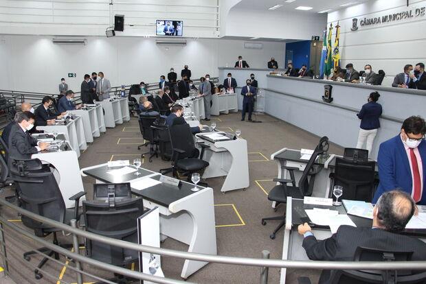 Bolsonaro recebe título de visitante ilustre de Campo Grande; 5 votaram contra