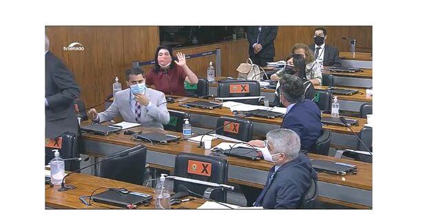 CPI: em bate boca com governistas, Simone Tebet tem que pedir respeito para conseguir falar