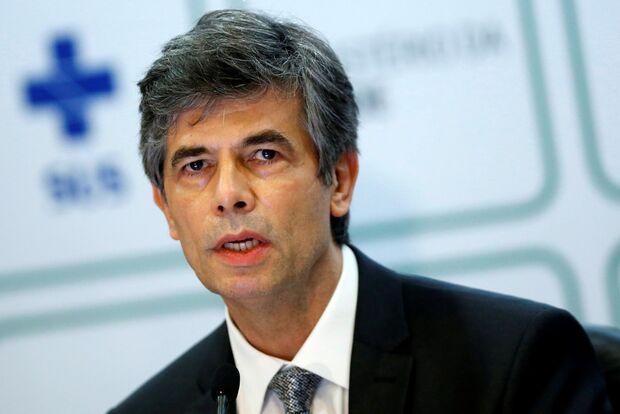 Nelson Teich diz que deixou ministério por divergências sobre cloroquina
