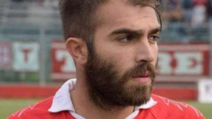 Ex-Parma morre enquanto jogava partida em memória do irmão falecido