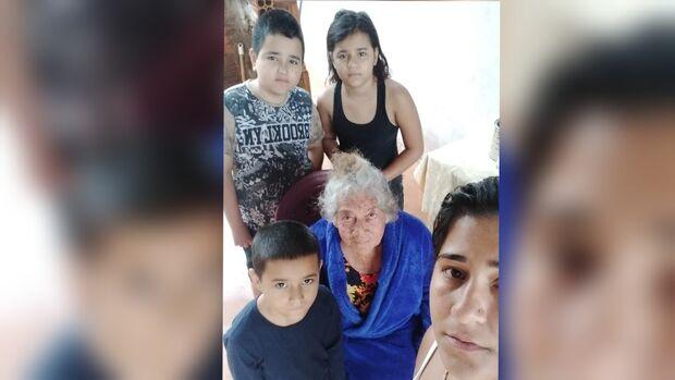 Com risco de ser despejada, Regina teme pelos filhos e mãe idosa em Campo Grande