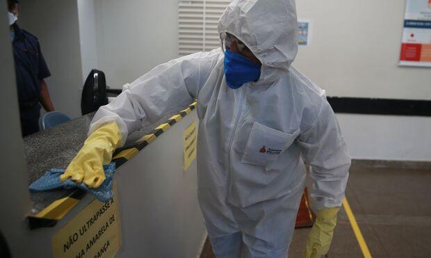 Brasil bate recorde de infectados pela covid em 24 horas: 98 mil
