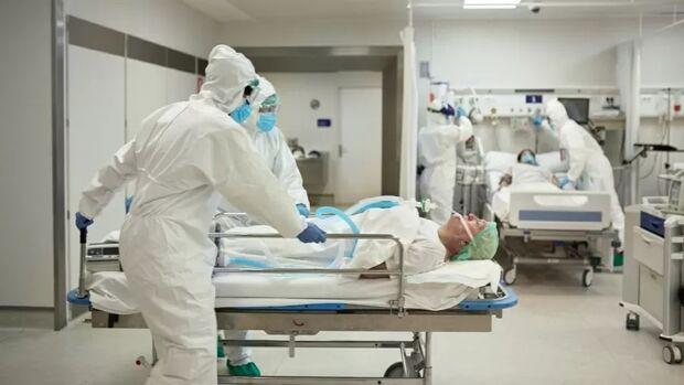 Covid mata mais 2.723 brasileiros nas últimas 24 horas