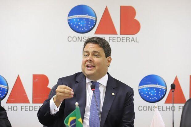 Presidente da OAB diz que 'Bolsonaro tem fórmula para matar brasileiros'