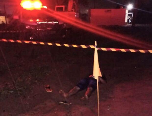 Homem é achado morto em área de construção no Oiti