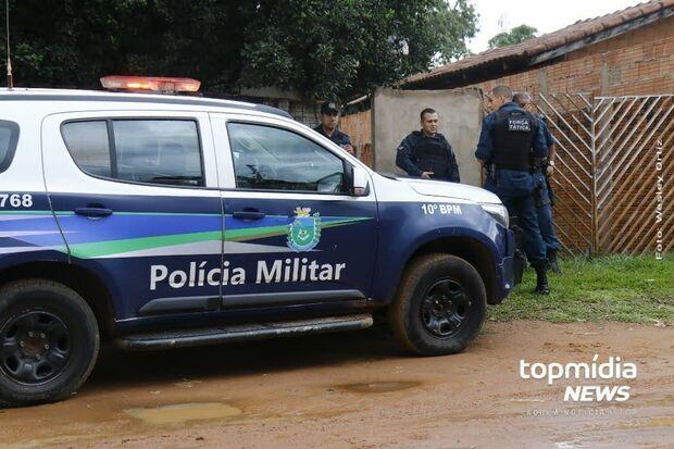'Espertinho' arromba casa e tenta bater em policiais no Nova Lima