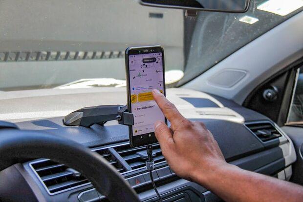 Bandido tenta assaltar motorista de app com faca no pescoço e leva a pior
