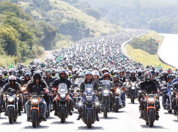 Bolsonaro confirma motociatas em Chapecó e Florianópolis