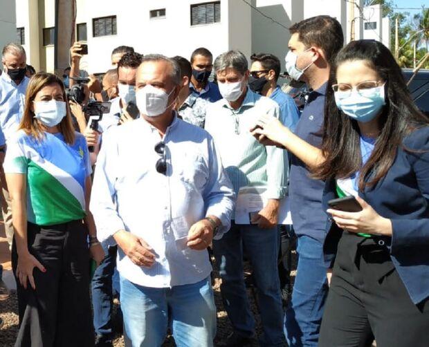 NA LATA: queridinho de Bolsonaro, ministro passa vergonha em MS