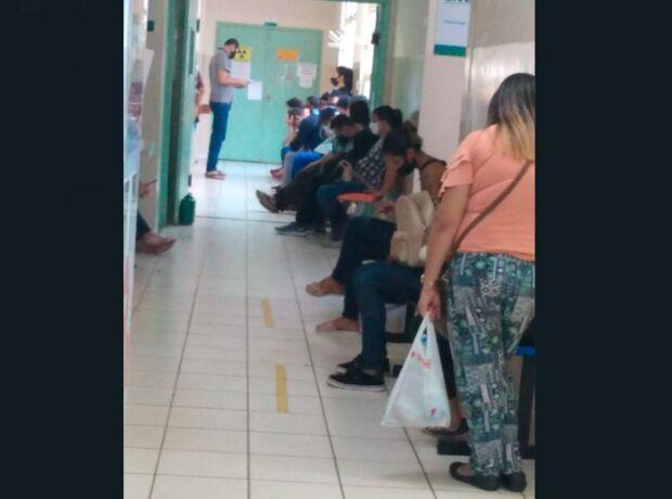 Com UPA Moreninhas lotada, pacientes veem risco de pegar covid