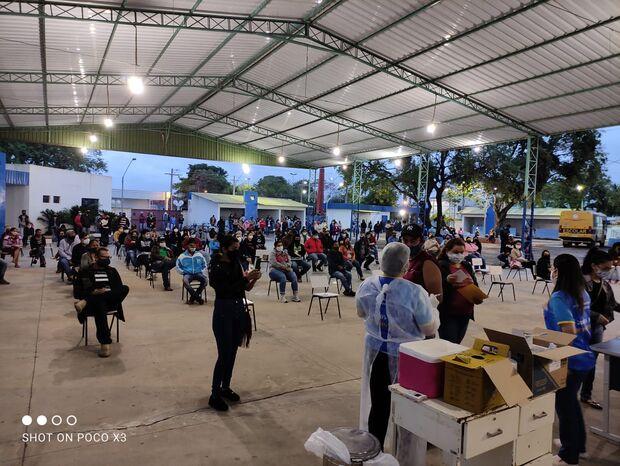 Porto Murtinho já vacina maiores de 26 anos; cidade faz lockdown severo