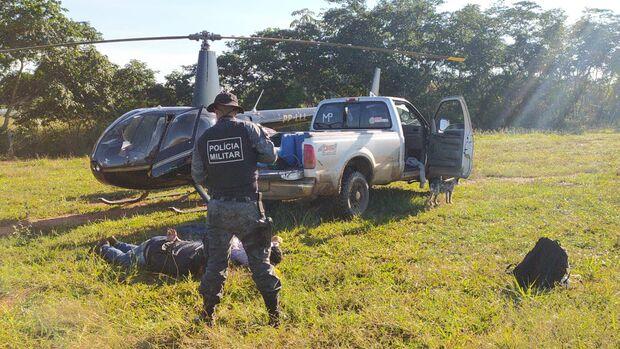 Helicóptero carregado de drogas é interceptado pela polícia em MS