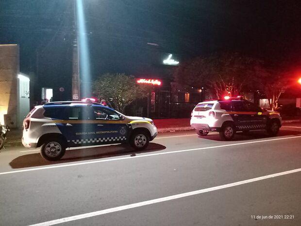 Festa clandestina com mais de 100 pessoas é fechada pela GCM em Campo Grande