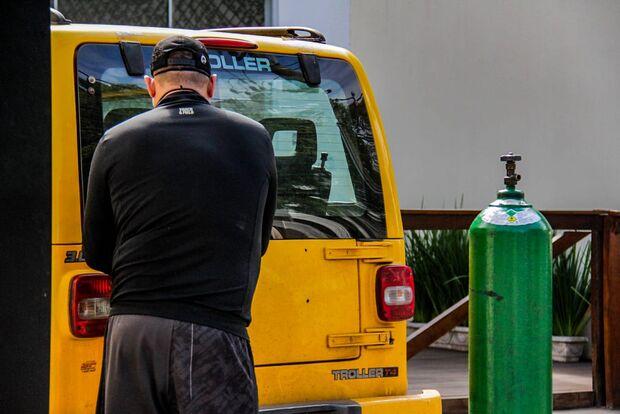 Com colapso, Arnaldo luta por tratamento domiciliar para salvar cunhado da covid