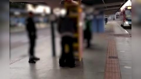 Homem é flagrado furtando livros de projeto social em terminal de Campo Grande