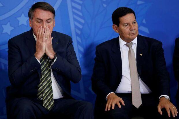 Bolsonaro diz que o vice-presidente Mourão é igual cunhado: 'tem que aturar'