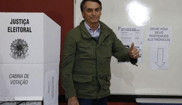 Bolsonaro dispara: 'sem voto impresso, Barroso vai ter problemas'