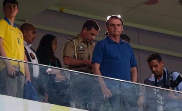Vaias ou aplausos? Bolsonaro vai a jogo do Flamengo no DF nesta quarta-feira