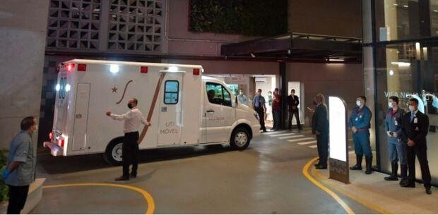 Médicos descartam cirurgia de emergência em Bolsonaro