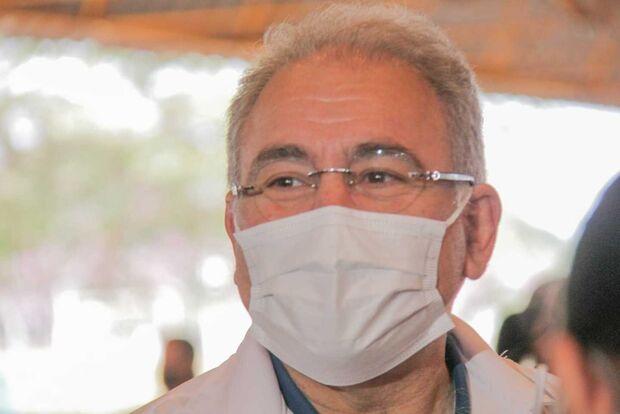 Ministro se compromete com centro odontológico e aprende com exemplo de Campo Grande