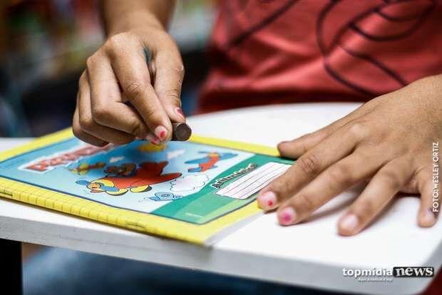 Pai denuncia professor de Corumbá por estupro de casal de filhos; ele nega
