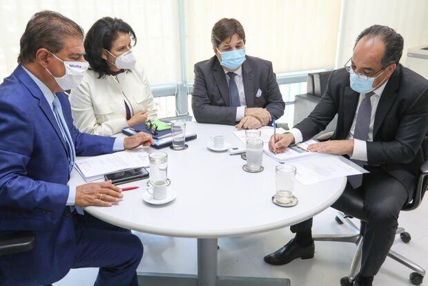 Secretário busca recursos para saúde e até implantação de hospital na Moreninha