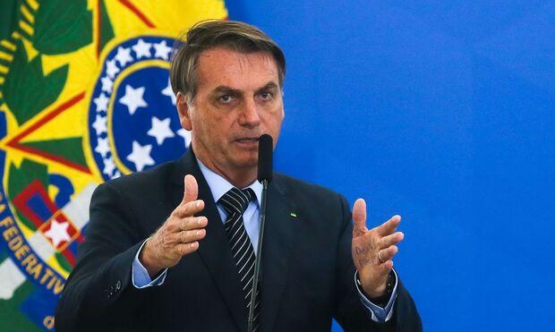 Confiante, Bolsonaro diz que há deputados suficientes para aprovar voto impresso