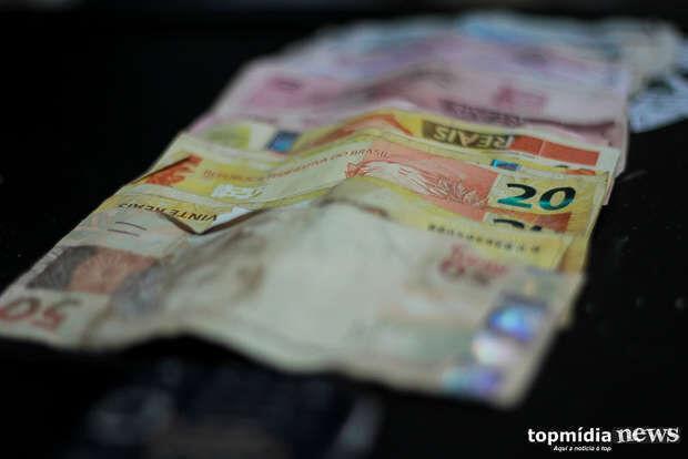 Idoso leva golpe do falso filho e perde R$ 1 mil em Campo Grande