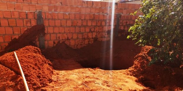 Marido mata esposa e a enterra em casa em MS