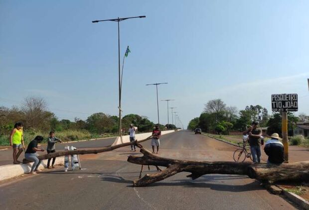Na retomada da votação do Marco Temporal, indígenas bloqueiam três rodovias em MS