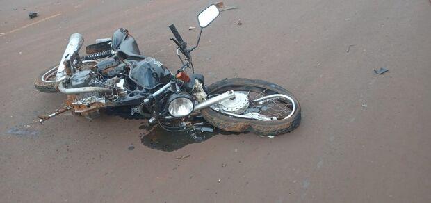 Motociclista morre em batida com Strada em Dourados