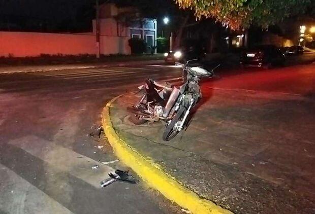 Motorista que atropelou e matou motociclista se apresenta e diz não ter visto vítima