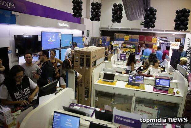Pensando no fim de ano, comércio de Campo Grande pode contratar 6 mil temporários