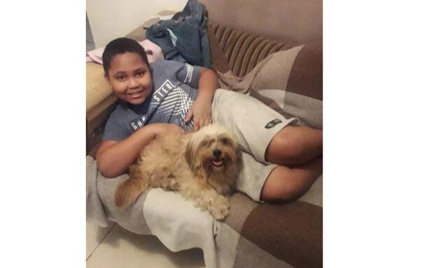 Menino de 10 anos morre brincando e família descobre doença rara